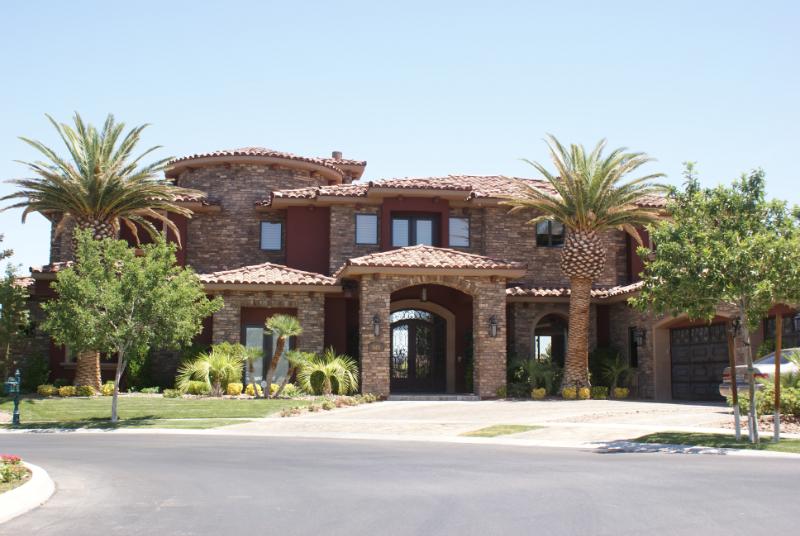 Homes landscapes in Las Vegas